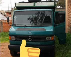 Mercedes Benz 814 2004