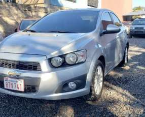 Chevrolet sonic ltz 2014 color plata automático