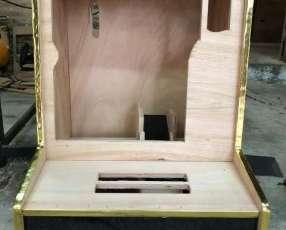 Caja o mueble para tragamonedas