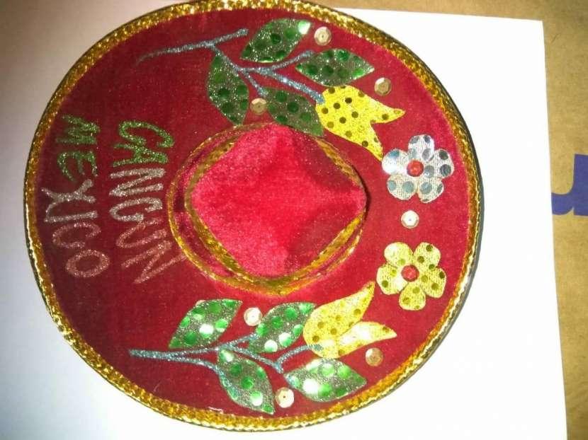 Sombreros para decoración - 2