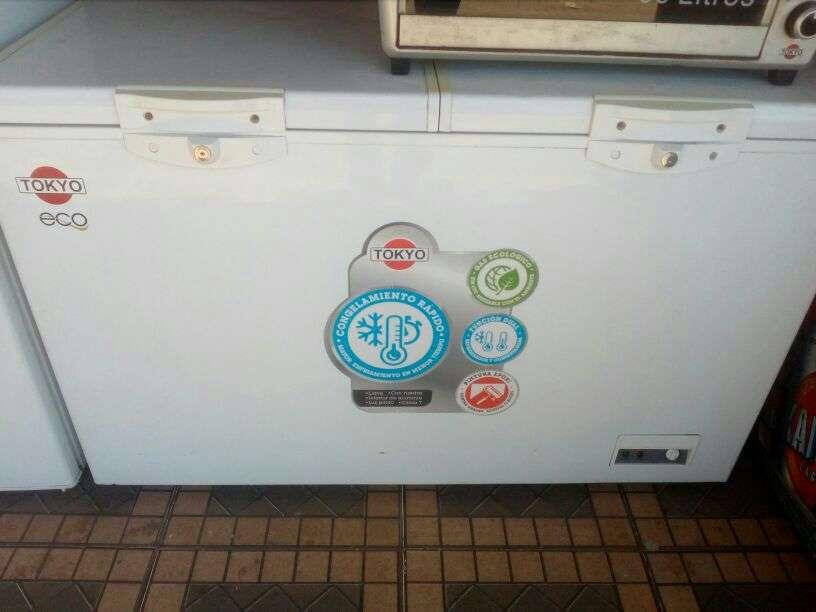 Congelador Tokyo 400 lts cgtcon4002t