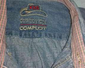 Chaqueta y camisa de jeans