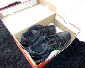 Tennis Nike negro