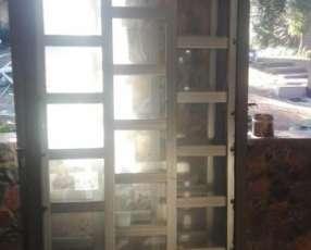 Puertas y ventanas usadas en excelente estado!!