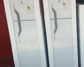 Heladera electrolux de 350 litros 2 puertas
