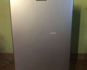 Heladera frigobar Consumer 110 litros