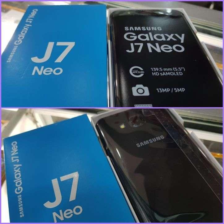 Samsung Galaxy J7 Neo nuevo - 0