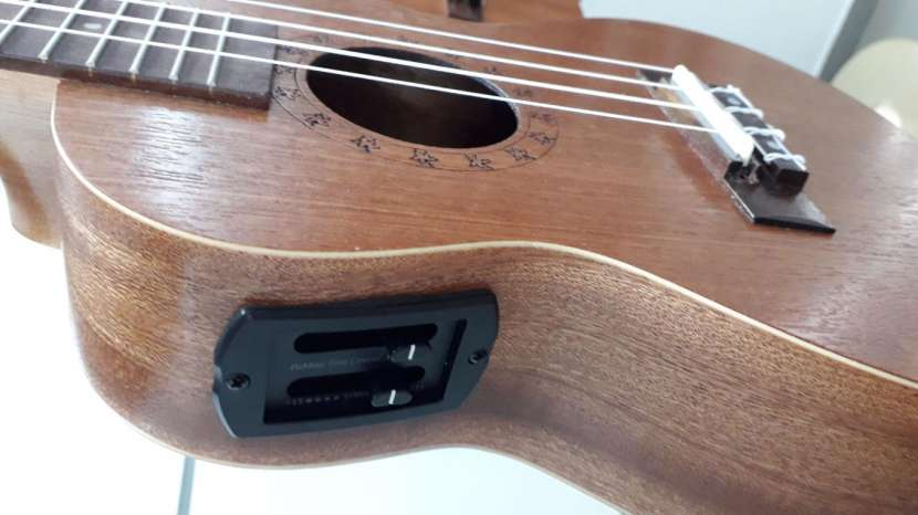 Ukelele clásico y electro acústico - 4