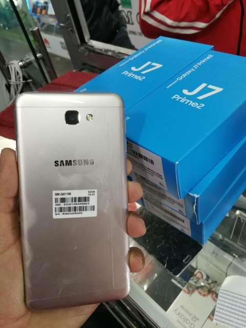 Samsung Galaxy J7 Prime 2 - 1