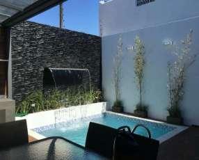 Quincho y la piscina
