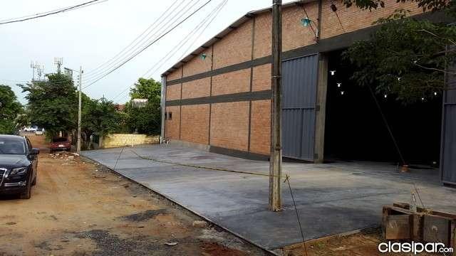 Depósito de 900 m2 en Mariano Roque Alonso