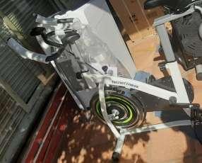 Bicicleta estática tecnofitness