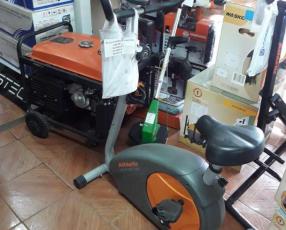Bicicleta Athletic con una barra de pesa de regalo