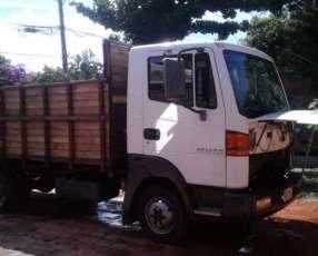 Nissan utilitario para 5.000 kg
