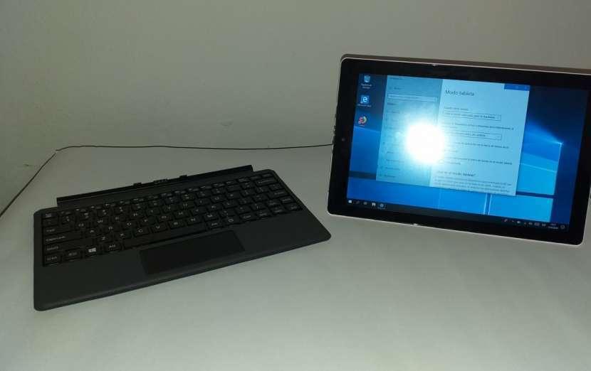 Tablet computadora 2 en 1 RCA - 2