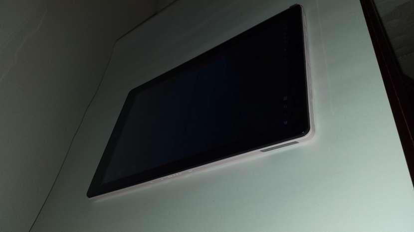 Tablet computadora 2 en 1 RCA - 4