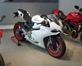 Moto Ducati 899 Panigale 2015