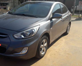 Hyundai Accent 2015 automático