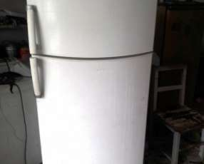 Heladera freezer Eslabon de Lujo ERM 440