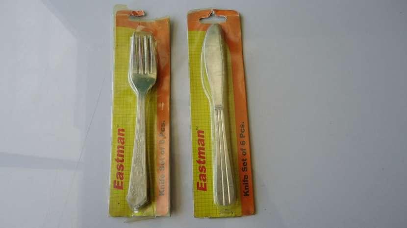 Cuchillos y tenedores