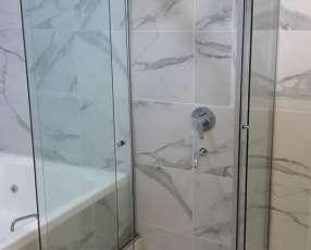 Colocación de box de baños en blindex