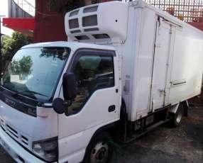 Camión refrigerado frigorífico Isuzu ELF 2007 para 6.000 kilos