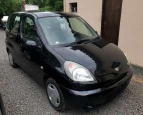 Toyota Funcargo 2001 con financiación