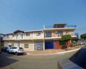 Complejo residencial con salones comerciales en Luque