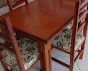Mesa y 4 sillas nuevas