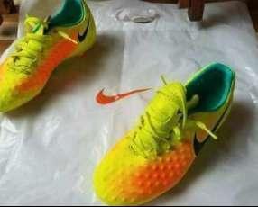 Botín Nike Magista