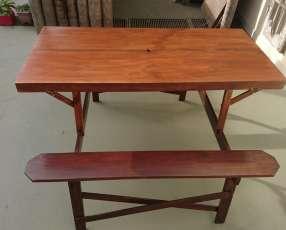 Mesa plegable de madera para camping