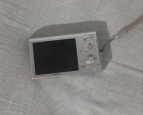 Cámara digital Sony Cyber-shot 12.1 megapixeles