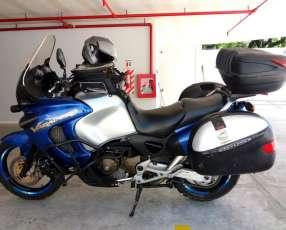 Honda Dual Sport Varadero XLV 1000cc
