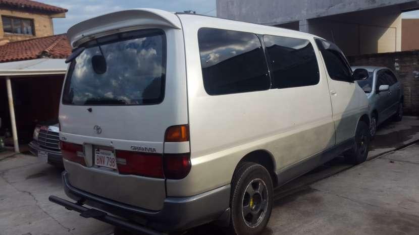 Toyota Granvia 1999 diésel - 3