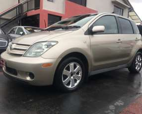 Toyota ist 2003 motor 1.5 naftero automático 4x2