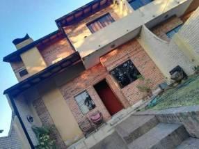 Dúplex en Villa Elisa sobre avenida Américo Picco