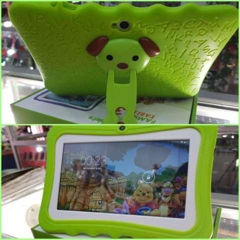 Tablet Family verde wifi y funda personalizada nuevo - 0