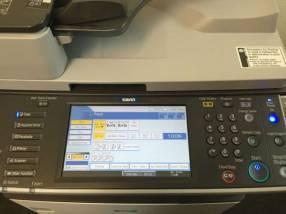 Fotocopiadora RICOH MP 2852 B&N de 28 páginas por minuto