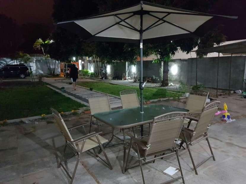 Muebles de jardin americano con sombrilla - 4