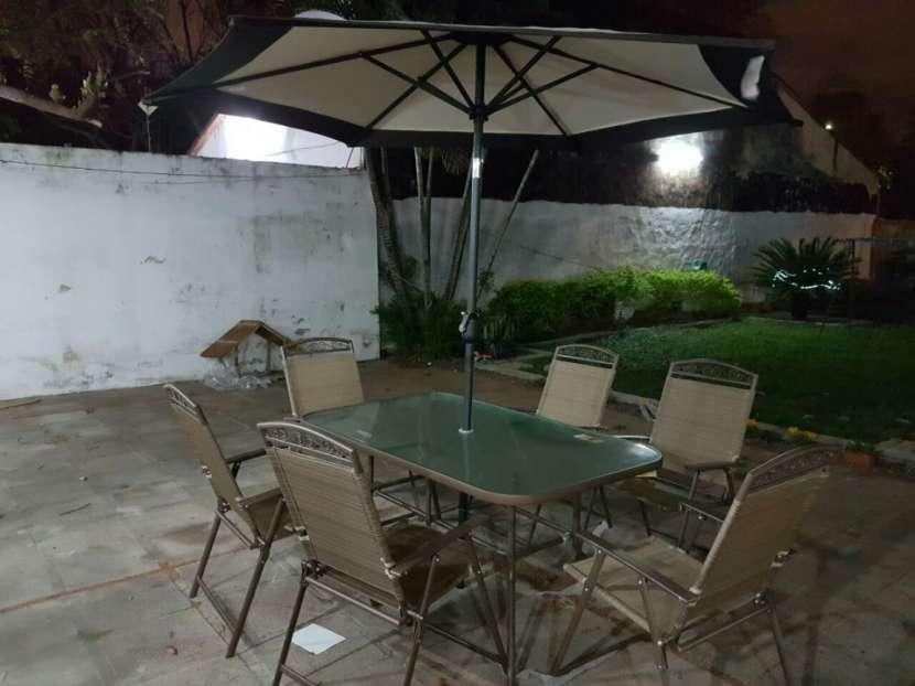 Muebles de jardin americano con sombrilla - 1