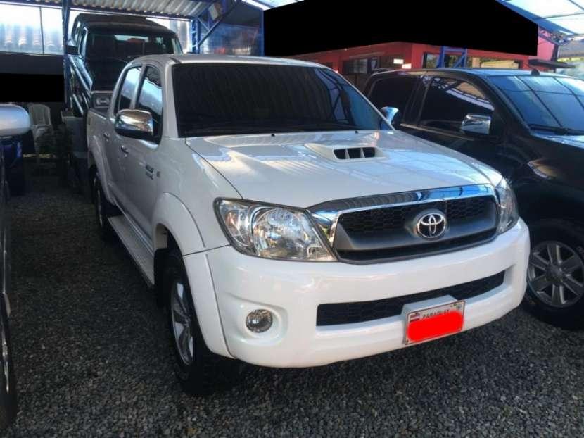 Toyota hilux 2011 4x2 mecánico