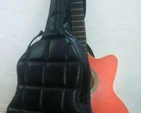 Guitarra Acústica afinada
