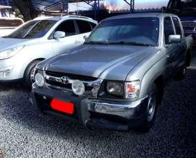 Toyota hilux 2002 4x2 doble cabina