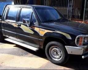 Mitsubishi L200 4x2