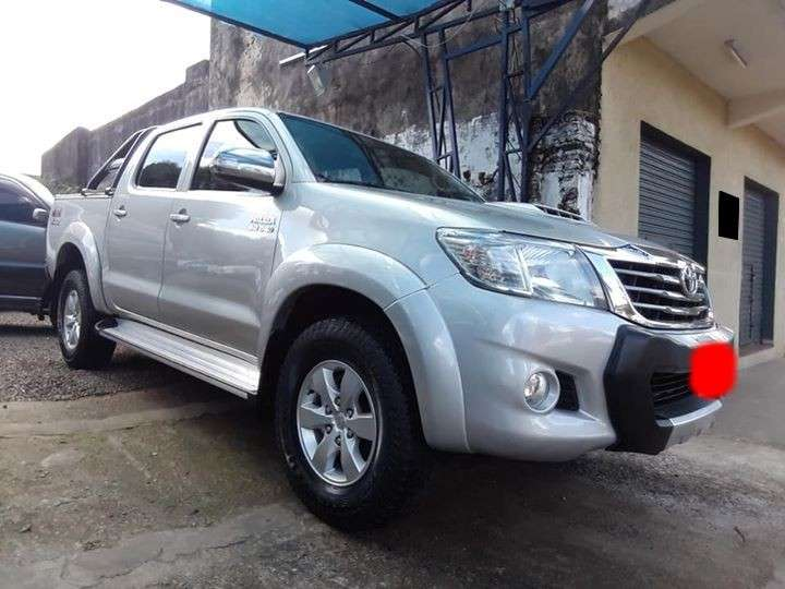 Toyota Hilux 2014 4x4 mecánico