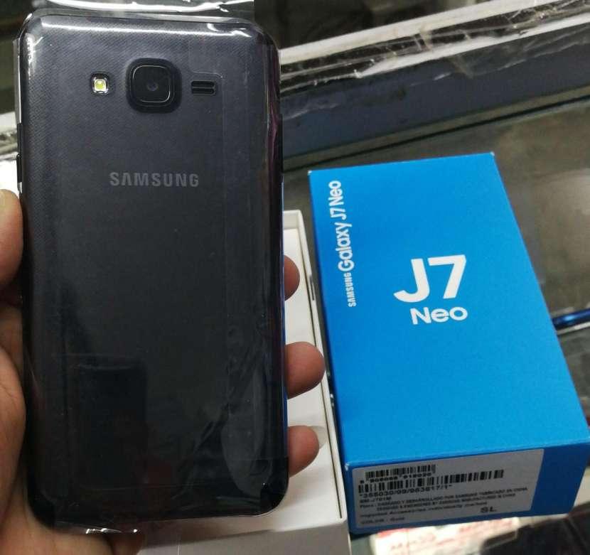 Samsung Galaxy J7 neo nuevo en caja - 1