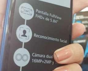 Huawei P20 lite azul nuevo con protectores y auricular bluetooth