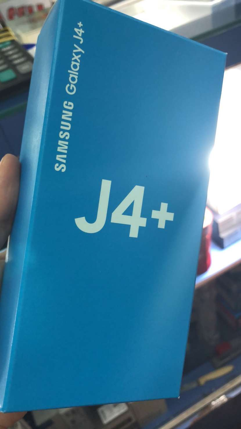 Samsung Galaxy J4 Plus más auricular Bluetooth de regalo