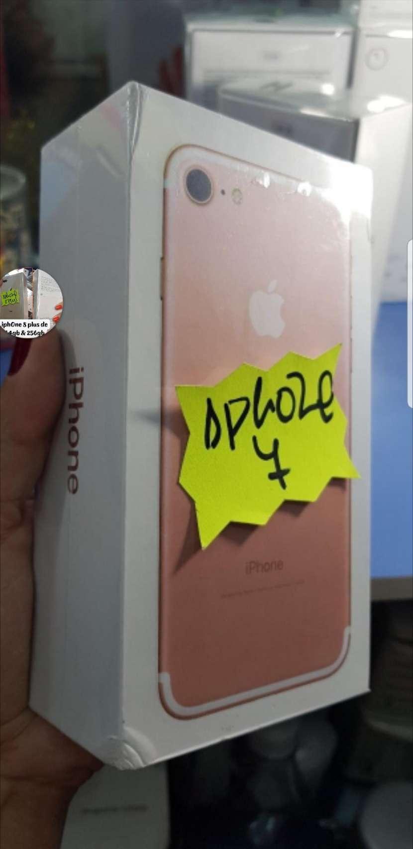 iPhone 7 de 32 gb rosa financiado - 0