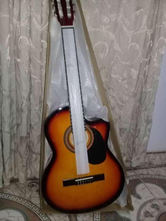 Guitarra - 0